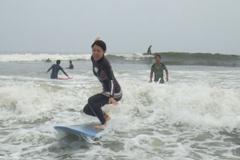 初心者に優しいサーフィンスクール開催中!